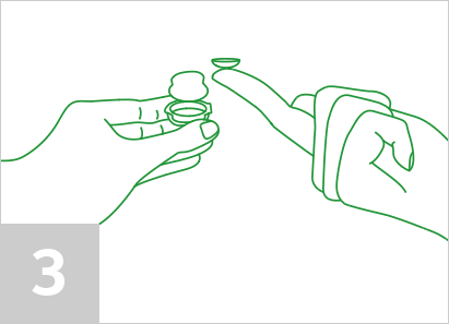 Step 3: How to put contact lenses in